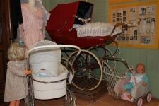 BS1 Kinderwagen museum1